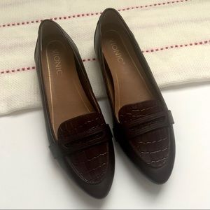 Vionic Wine Red Leather Savanah Loafer
